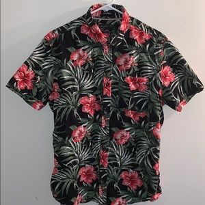 Men's floral collared shirt